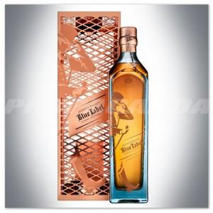 JOHNNIE WALKER BLUE LABEL 0,7L GIFT PACK - KLATKA 2017